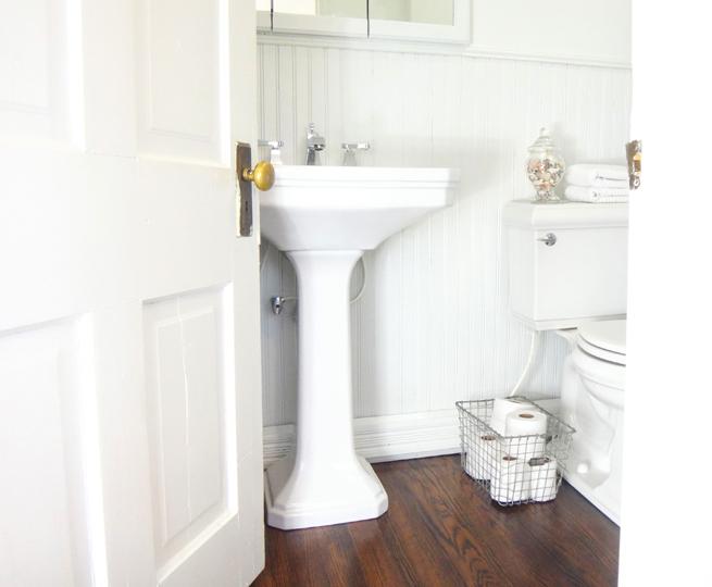 image old house 2nd full bathroom after pedestal sink