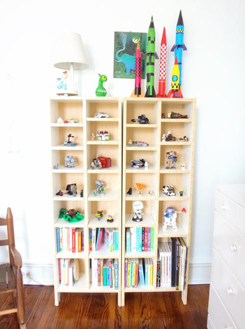 picture bookshelves toys