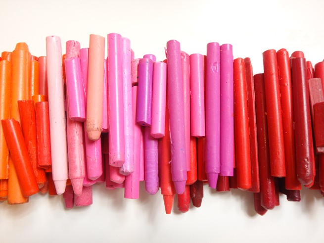 image crayons pink red
